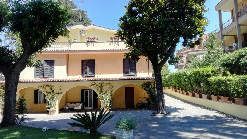 B&B Villa Orsini - camere a TorVergata