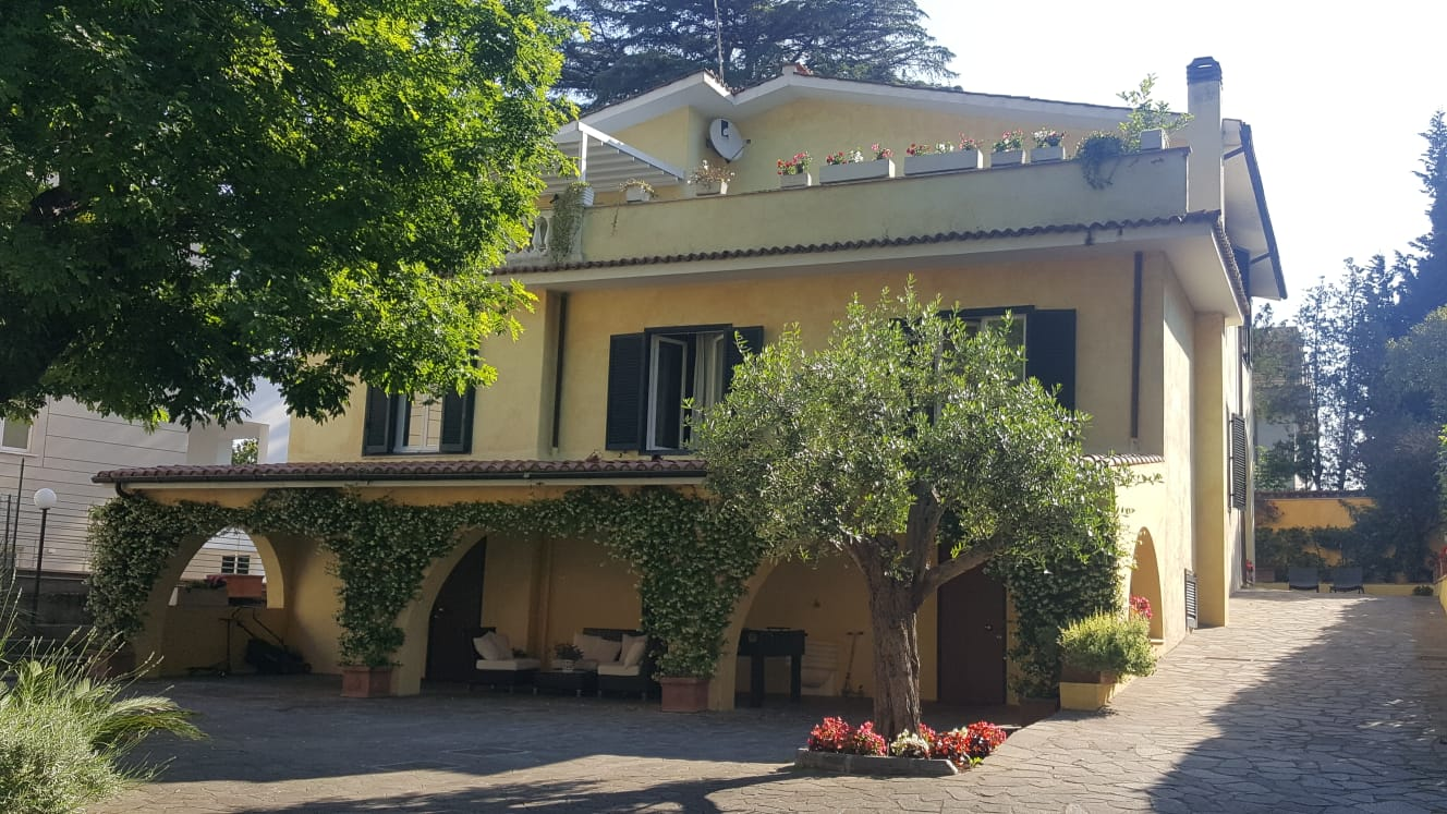 Villa Orsini Bed and Breakfast salotto